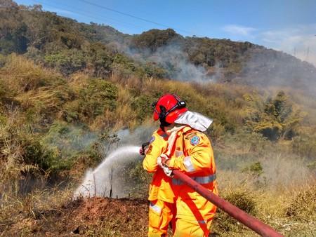 Fim de semana foi de muito trabalho para os bombeiros