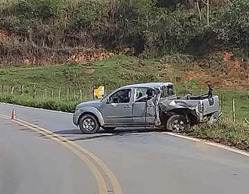 Carro do prefeito focou bastante danificado