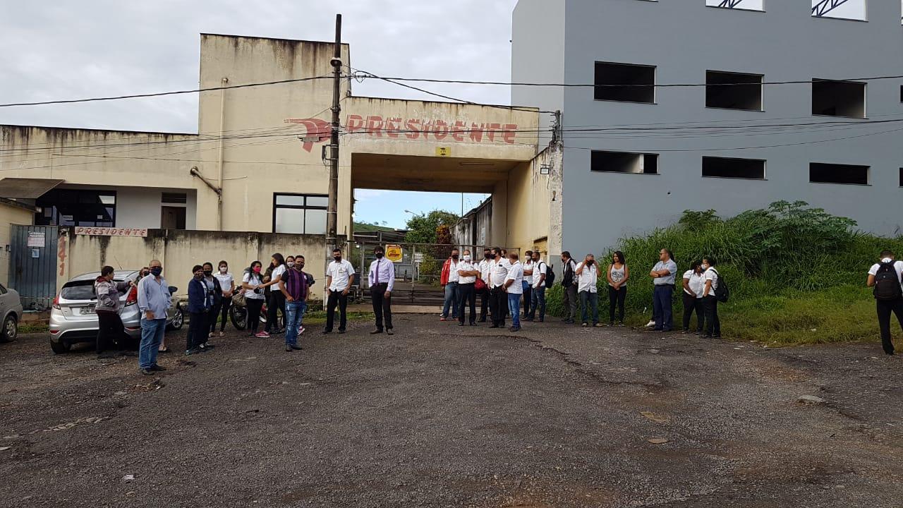 Situação levou a greves de funcionários