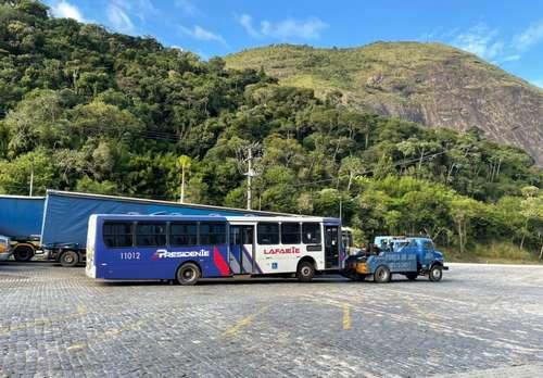 Flagrante do ônibus foi amplamente compartilhado nas redes sociais