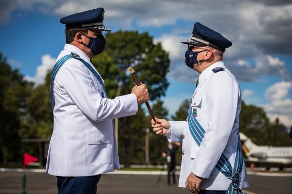 O tenente iniciou sua carreira em 1975
