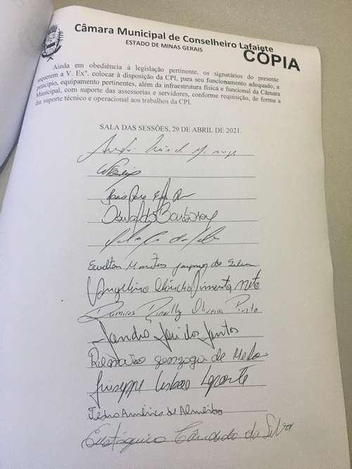 Todos os vereadores assinaram o requerimento