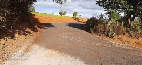 Durante a obra, também está havendo a melhoria das estradas da região, entre Sismaria e Rancho Novo