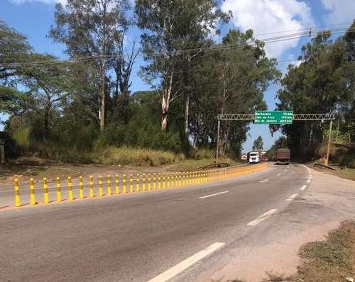 Divisória visa inviabilizar a travessia pela pista