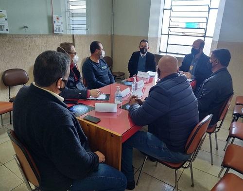 Reunião aconteceu nesta segunda-feira