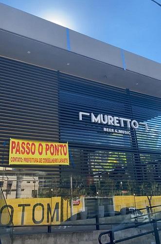 """""""Muretto"""" é um dos bares que fazem o protesto"""