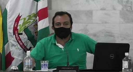Vereador criticou bagunça na prefeitura e enalteceu organização na Câmara